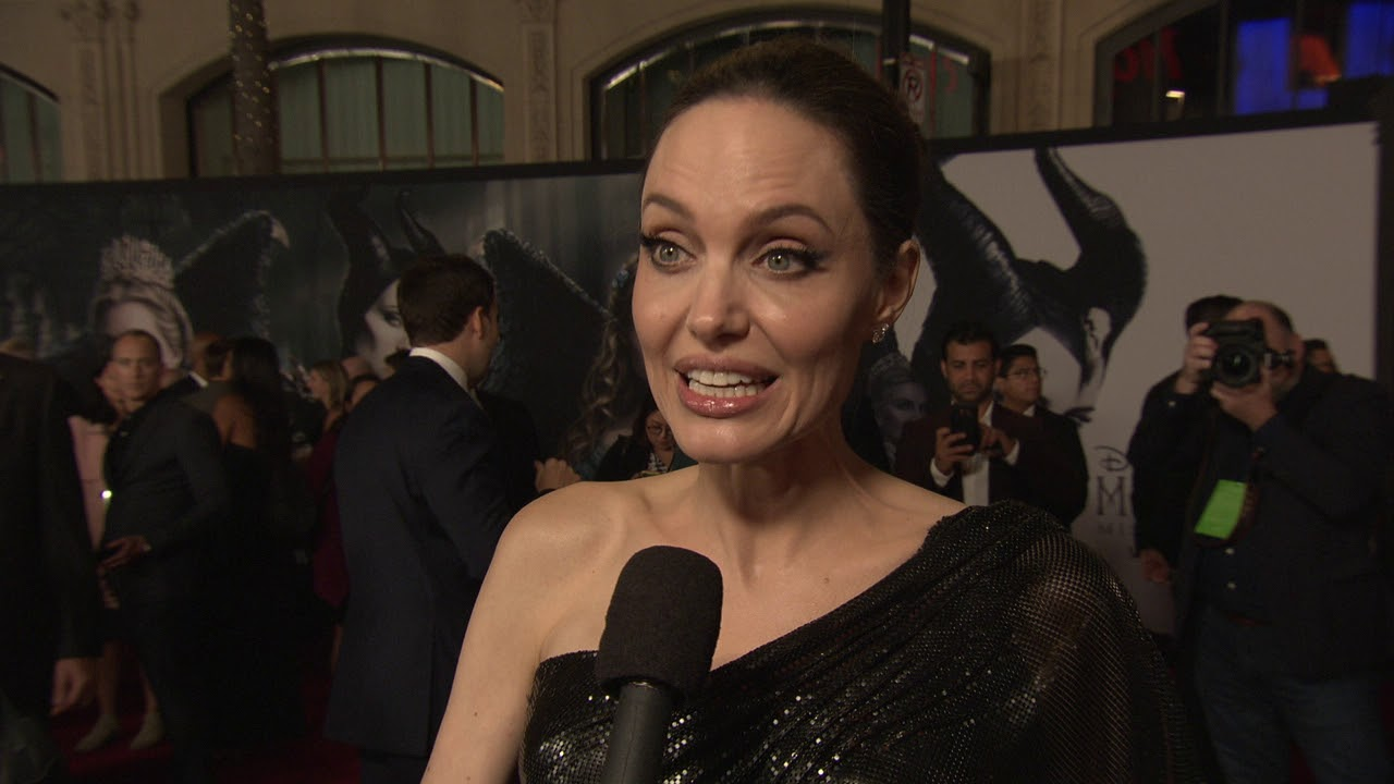 Maleficent Mistress Of Evil Los Angeles World Premiere Itw Angelina Jolie Official Video