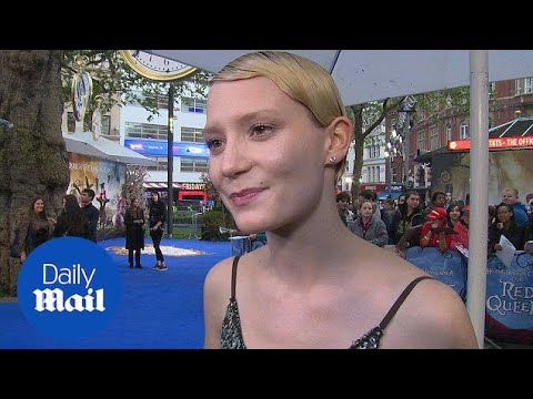 Mia Wasikowska talks about character at Alice premeire  Daily Mail