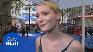 Mia Wasikowska talks about character at Alice premeire - Daily Mail