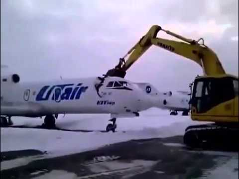 Russian airport worker destroys plane after getting fierd
