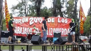 Mil Puños - Hosen (versión de Geh aus dem Weg de Die Toten Hosen)