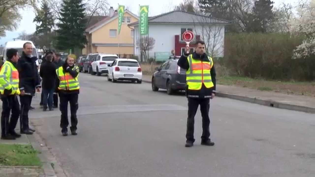 Mannheim: Time Warp 2015 - Polizei Großkontrolle - YouTube