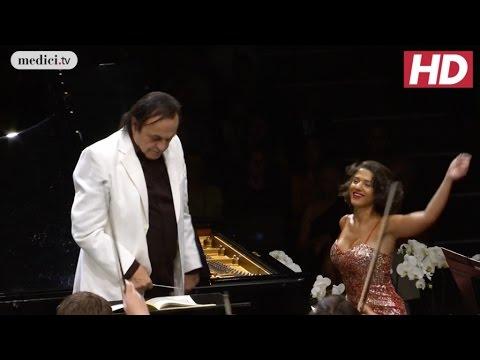 khatia-buniatishvili---piano-concerto-no.-2---liszt
