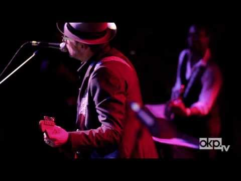 "Elvis Costello & The Roots ""I Want You"" Live in Brooklyn"