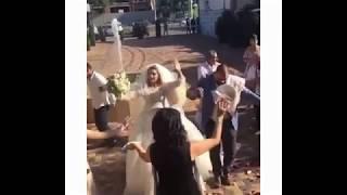 Жених и невеста разбивают свадебные тарелки на счастье! Традиционная армянская свадьба 2017