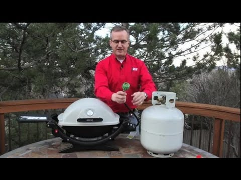 how do you hook up a propane tank to a grill