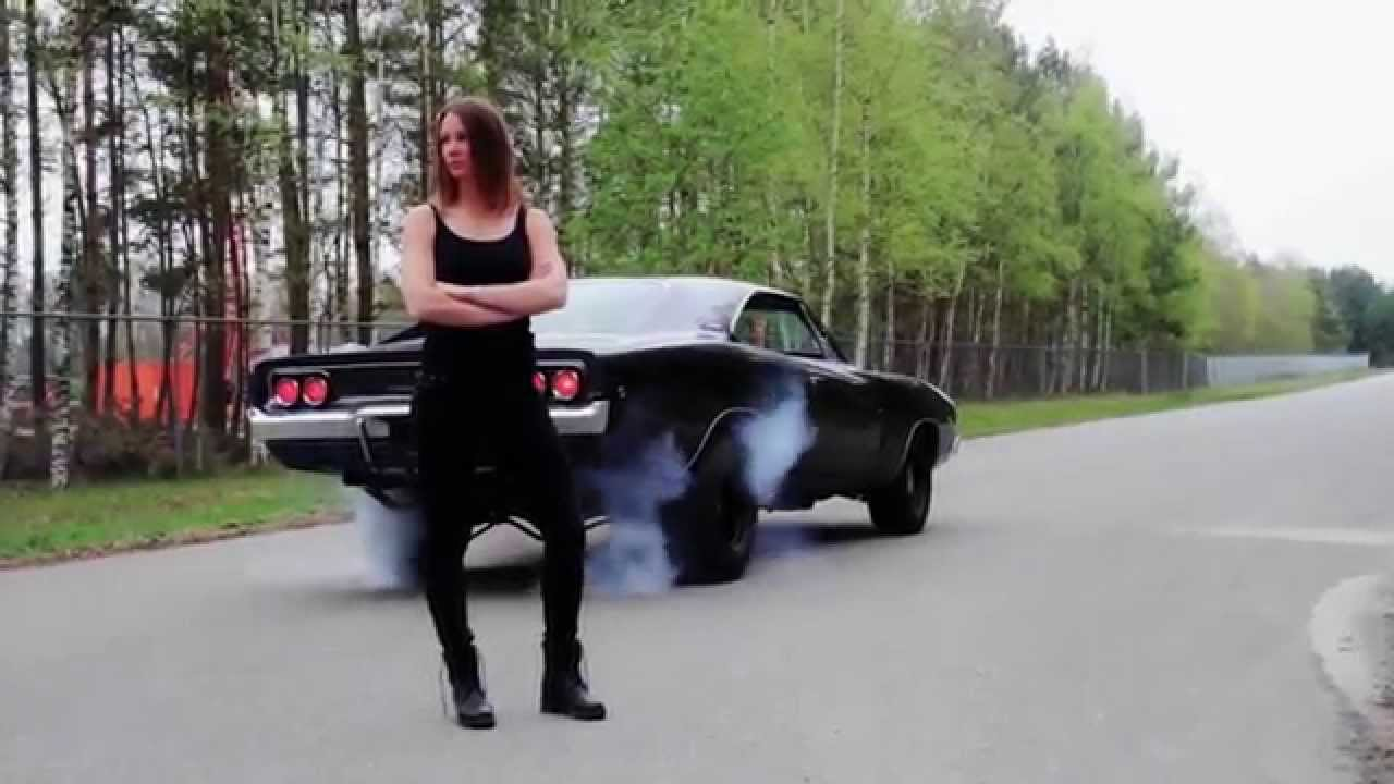 1968 Dodge Charger >> 1968 Dodge Charger R/T & Kim - YouTube