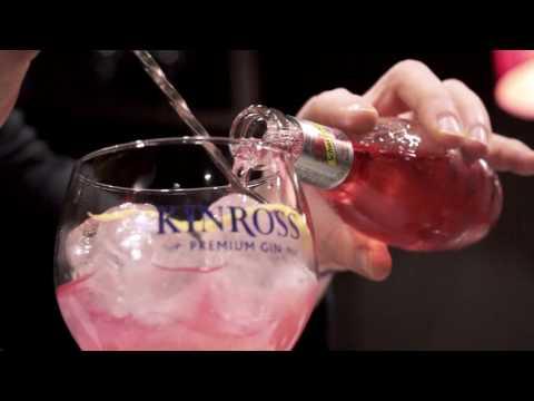 Perfect Serve of Kinross Gin Liquor Strawberry by Manu Llorens
