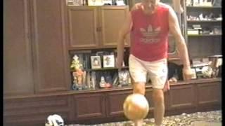 Лянга и футбольный фристайл в исполнении Сергея Косенкова в 62 года