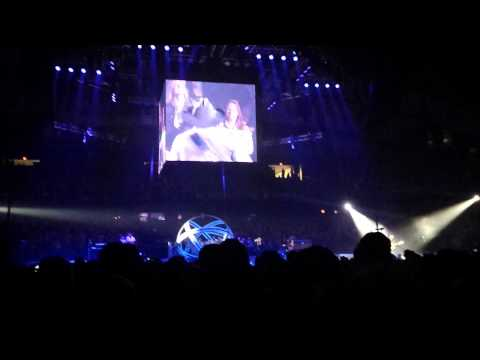 Garth Brooks with Trisha Yearwood World Tour Chicago 24 Learning to Live Again