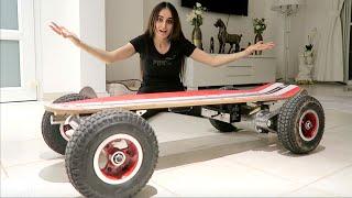 Bought an INSANE electric Skateboard !!!