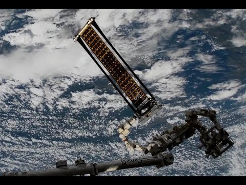 Roll Out Solar Array - ISS Deployment (Time Lapse)