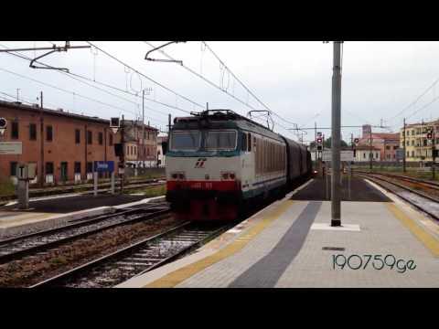 Treviso Centrale....allontanarsi dalla linea gialla...( ipadvideo Maggio 2016)