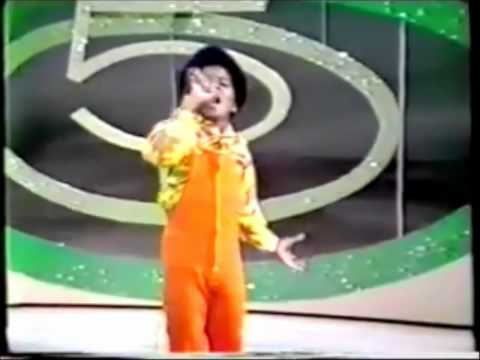 Jackson 5 - I Saw Mommy Kissing Santa Claus Acapella