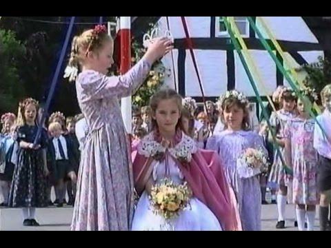 Elmley Castle, Oak Apple Day 1993