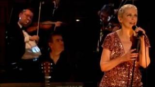 Annie Lennox . Why. London 2009