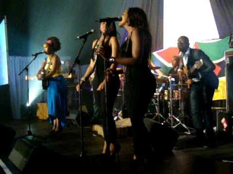 Zahara sings Umthwalo Wam
