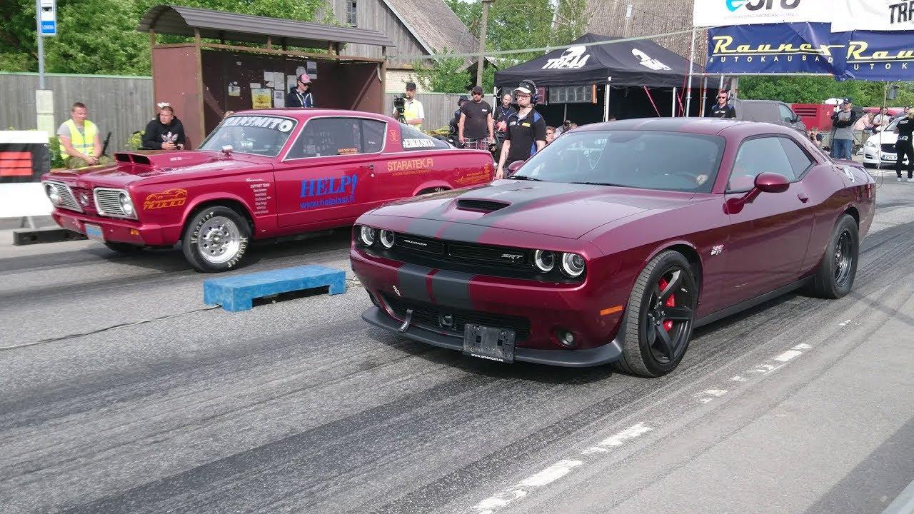 2018 Dodge Challenger SRT 392 vs '66 Plymouth Barracuda 7 3 1/8 mile drag  race