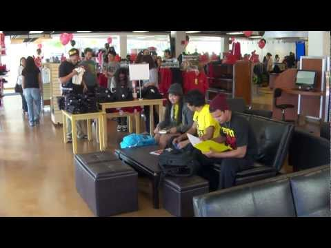 Bigger, better bookstore opens at UH Hilo