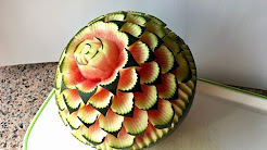 melone schnitzen