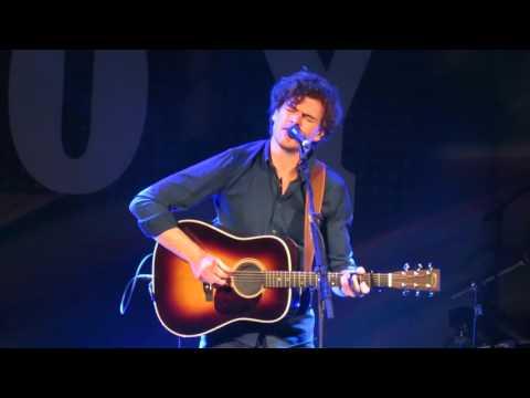 Vance Joy - Wasted Time (Live @ Massey Hall)