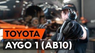 TOYOTA AYGO Kézifékkötél beszerelése: videó útmutató