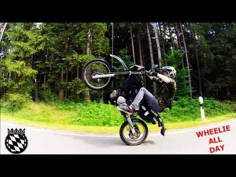 YAMAHA DT 125 Wheelie-Training! I 12 O'clocks I 6.Gear Wheelie