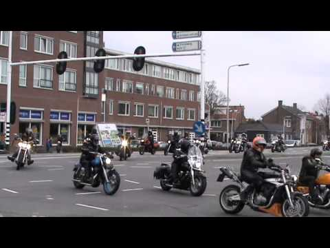 De Peringatan Ride Out 2013 aankomst Krimpen aan den IJssel