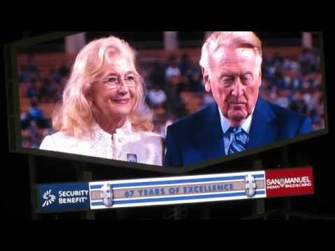 Kevin Costner's Tribute to Vin Scully at Dodger Stadium