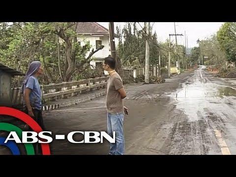 Mga residente ng Talisay patuloy na pumupuslit kahit may lockdown | TV Patrol