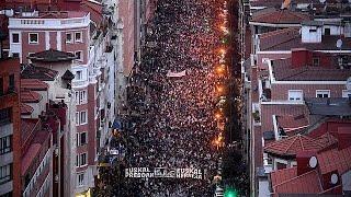 Испания: массовая манифестация в поддержку заключённых ЭТА(В Испании десятки тысяч человек вышли на улицы Бильбао – крупнейшего города страны Басков, чтобы выразить..., 2017-01-15T11:43:06.000Z)