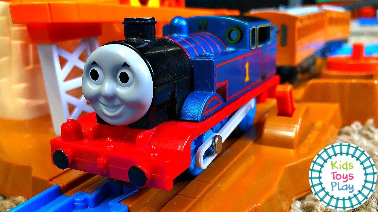 HUGE TOMY Thomas & Friends Ultimate Set Track Build