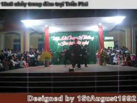 Clip12A8 nhảy trong Đêm trại Trần Phú   Diễn đàn học sinh Trường THPT Chí Linh