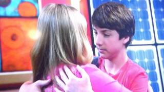 Ant farm olive and fletcher first kiss