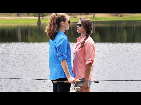 Wife Fishing Battle!! | Ocean Spoon Girl Vs Heather