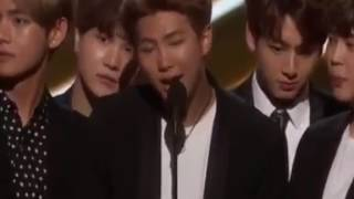 ( Vietsud ) BTS nhận giải Top Social Artist At The Billboard Music Awards 2017 tại BBMA