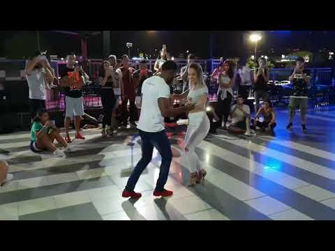 Centavito - Romeo Santos - Ronald y Alba Estilos Unidos