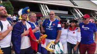 France - pays de Galles : les supporters des Bleus chantent La Marseillaise