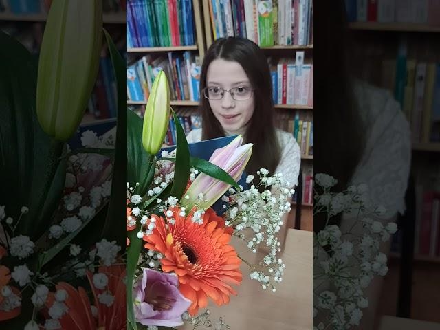 Изображение предпросмотра прочтения – НатальяСедляр читает произведение «Лебедь» Ф.И.Тютчева