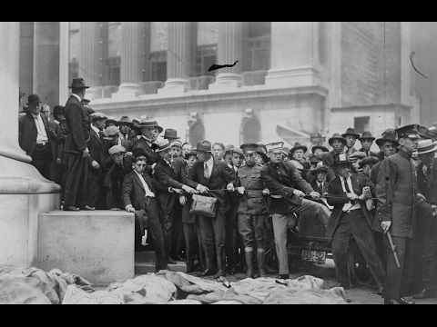 Photos of the Aftermath of the Wall Street Bombing in New York City (1920)