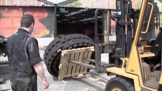 Nieuwe kettingen voor de Leopard bergingstank