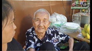 Gần 15 triệu đến với bà cụ 90 tuổi bán chuối nuôi con người dưng