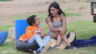 Owais: Tum Meri item Lagti Ho Prank On H0t Girl | Boyfriend Bana Lo Prank, Flirting Prank | OTPprank