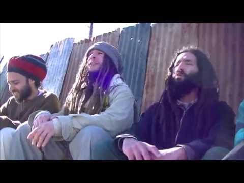 Mosiah - Rumores ft. Ras Shanti | Official Music Video