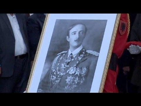 Nach 50 Jahren Albanischer König In Heimat Beigesetzt Youtube