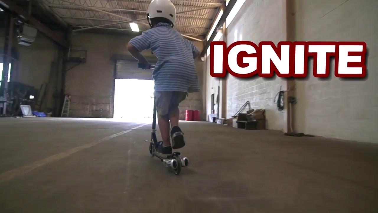 Обзор детского 3-х колесного самоката с ручным тормозом - YouTube