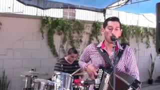 Baixar 'Como estas tu' con Grupazo KOMPLOT en 3 Grupero - Televisa Canal 3 - Ago 2015