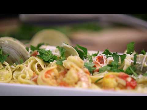 Shrimp in Garlic and White Wine Sauce (Cooking with Carolyn) from YouTube · High Definition · Duration:  6 minutes 50 seconds  · 41.000+ views · uploaded on 18-1-2011 · uploaded by CookingWithCarolyn