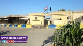 توافد أهالي شباب العفو الرئاسي على سجن طرة ترقبا للإفراج عنهم .. فيديو وصور