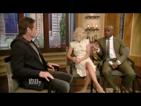 David Duchovny on Live Kelly show 04/11/17